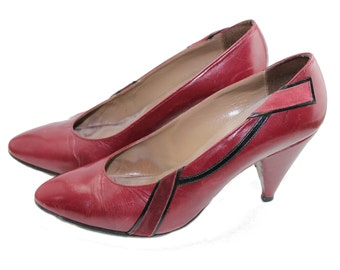 vintage womens pumps • 1940s style 1980s high heels • round toe • wine burgundy red leather shoes • Regent • ladies shoe size UK 3.5 US 5.5