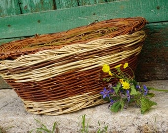 Handmade LARGE picnic basket brown willow with lid,traditional storage basket eco friendly clothes hamper italian country cottage bohoboho