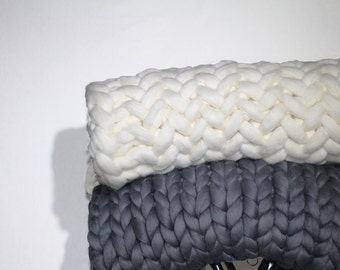 Loose Knits' Blanket 01. Giant Knit. Super Chunky Blanket. Superfine Merino Wool. Cozy Throw.