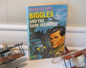 Biggles and the Dark Intruder by Captain W E Johns. Paperback book.
