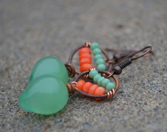 Green and coral teardrop earrings, gentricreates, lampwork glass beads, glass beads, glass headpins, artisan, handmade, jewelry, earrings
