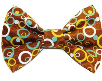 Small Funky Circles Slip-On Collar Bow Tie