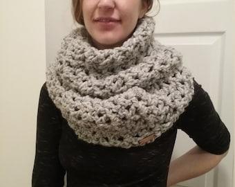 Chunky Knit Scarf - Infinity Scarf