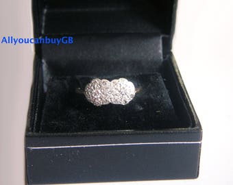 Elegant retro  18ct (750) gold & platinum ring.
