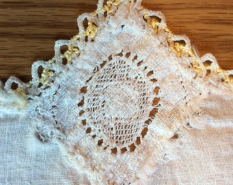 Crocheted dresser scarf / doilie