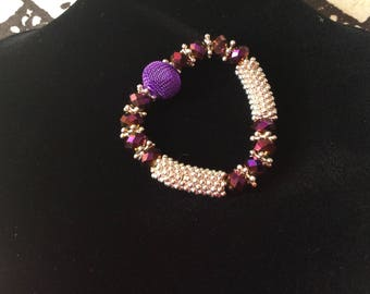 Vintage Purple metal, and faceted bead stretch bracelet. Perfect for summer