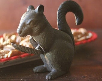 Adorable Cast Iron Squirrel Nutcracker, Country decor, Great decoration! Great Gift!