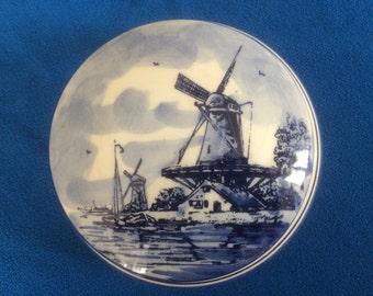 "Vintage ""Delft Blue"" pot & lid"