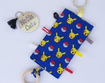 Crinkly Taggie - Pikachu