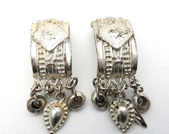 Clip On Primitive Silver Tone Metal Clasp Drop Earring Vintage 80s Carved Southwestern Dangle Native Modernist Industrial Southwest