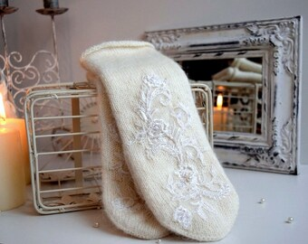 White mittens , Double Mittens, embroidered mittens, wedding mittens, luxury wedding mittens, lace mittens