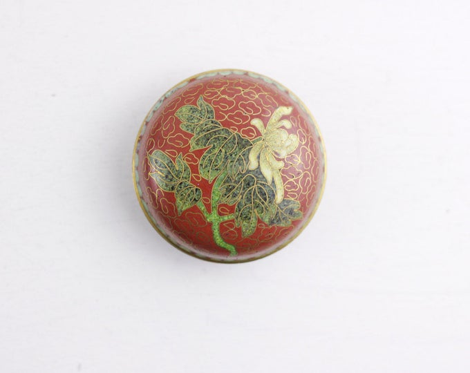 Chinese Cloisonne pot, metal pill box, jewelry storage box, white chrysanthemum on red surface, tiny metal box, spring launch green