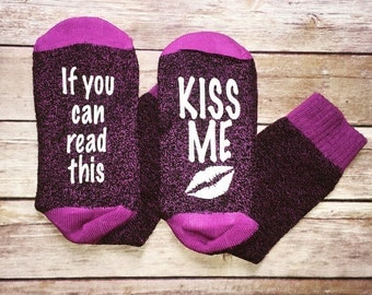 If you can read this bring me a glass of wine, Beer Socks, Custom Socks, Bring me Wine socks, Thermal Socks, Stocking Stuffers, Purple socks