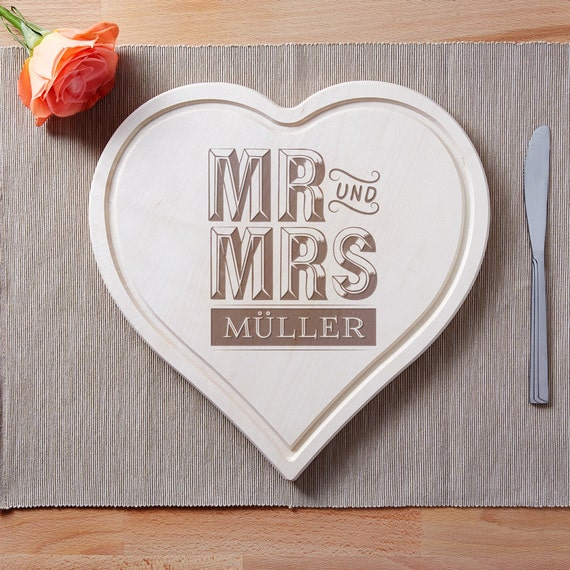 Heart-Shaped Cutting Board - Beautifully Engraved – Mr and Mrs – Personalised with Name of Your Choice – Wooden Board With Juice Rim