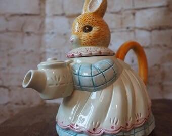 Rabbit Teapot by Giovanni