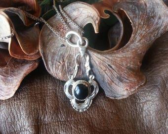 Victorian / Nouveau / Deco Sterling Silver 925 Onyx Filigree Pendant & Chain