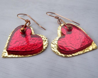 Hearts earrings in a Gold-plated and acrylic