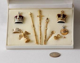 Dollhouse Miniature 1/12 Scale - Royal Regalia - Golden Jubilee of Queen Elizabeth II Set