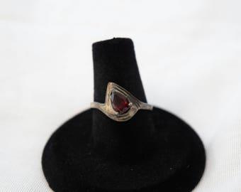 Sterling Silver 925 Vintage Teardrop Ruby