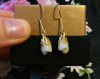 Vintage snowdrop human tooth earring - molars