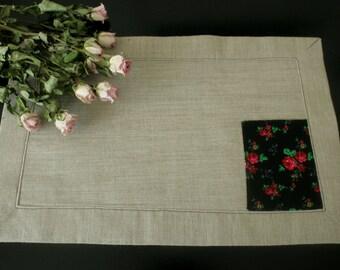 Set of 4 natural linen table mats with pocket for cuterly. Original table mats, plate mats, place mats