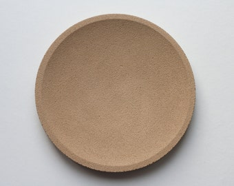 Round top in yellow concrete / / empty Pocket concrete / / decorative concrete tray / / concrete tray / / cast-iron serving tray