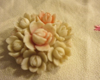 30's, 40's celluloid floral brooch, pale pink and cream flowers, feminine, excellent condition, retro, shabby chic