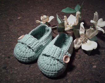 Hand crochet baby booties, in cotton