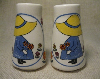 Sun Bonnet Sue Salt and Pepper Shaker Set