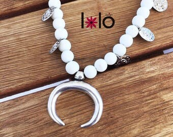 Summer white necklace