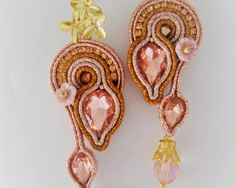 soutache earrings peach  ginseng, soutache, soutache jewelry, handmade earrings, soutache jewels, soutache embroidery, embroidered earrings
