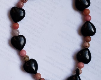 Black onyx hearts and rhodonite beaded bracelet perfect for Valentine's day gift