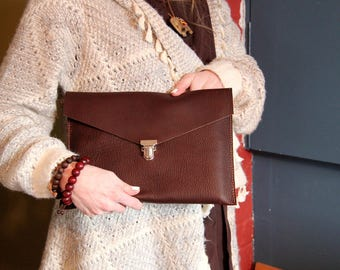 Genuine leather Ipad case. Samsung tablet case. Leather sleeve. Electronic case. Genuine leather clutch. iPad cover. Brown leather iPad bag.