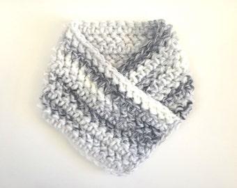Crochet Bandana Neck Warmer / Winter Chunky Cowl / Bandana Cowl / Chunky Knit Cowl / Chunky Neck Warmer