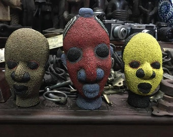 Heads of African beads ceramic statues