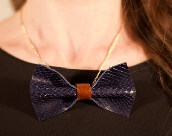 Node leather necklace Navy Blue and maroon with gold chain
