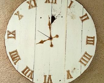 ROUND wood pallet clock