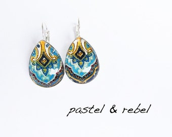 Paisley, oriental glass drops