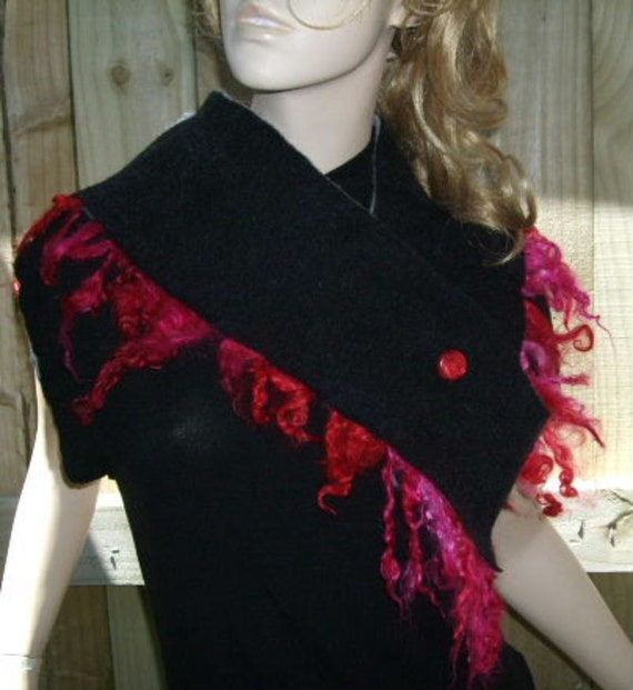 Black & Hot Pink Merino Fringed Buttoned Scarflette