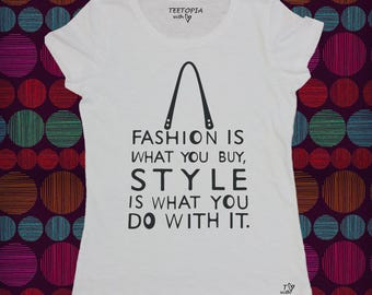 FASHION IS  - t-shirt donna