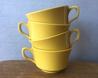Set of 4 Allied Chemical brand Yellow Picnic Cups