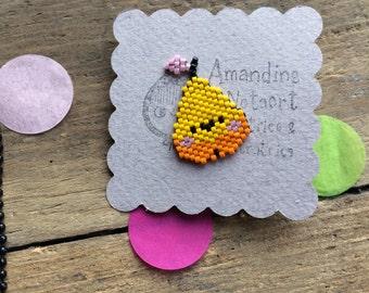 PIN small yellow PEAR in Miyuki beads