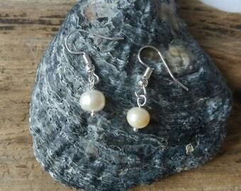 Freshwater baroque pearl earrings, mermaid jewellery, real pearl, beach wedding, wedding jewellery, pearl earrings, gifts under 20