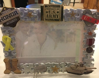 Solider picture frame