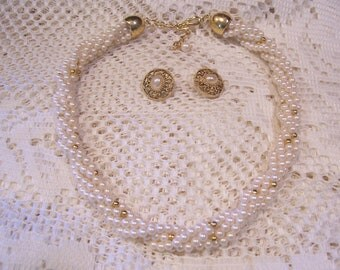 Twisted Pearl Necklace and Pierced Earrings
