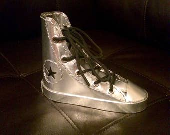 All-Star style aluminum shoe