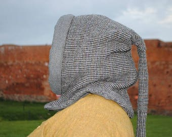 SALE! 10% discount (was 80USD, is 72USD). Medieval reenactment: medieval hood made of handwoven wool. 14th century, 15th century
