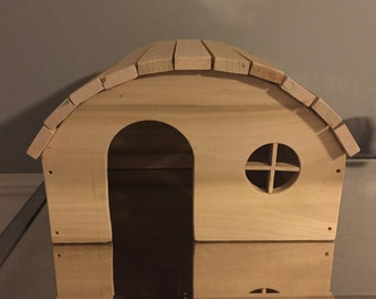 Beautiful hand Crafted Guinea pig Wood house