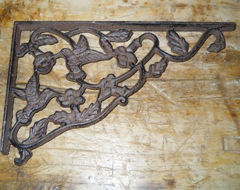 2 Cast Iron Antique Style HUMMINGBIRD Brackets, Garden Braces Shelf Bracket