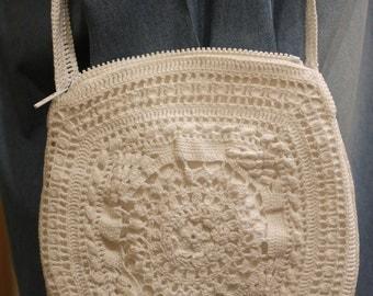 Handbag in white crochet cotton